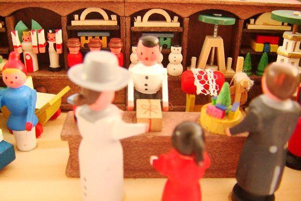 クリスマスのおもちゃ屋さん