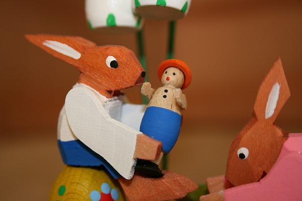 うさぎのお人形遊び