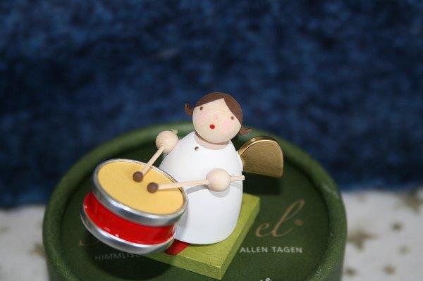 天使と小太鼓