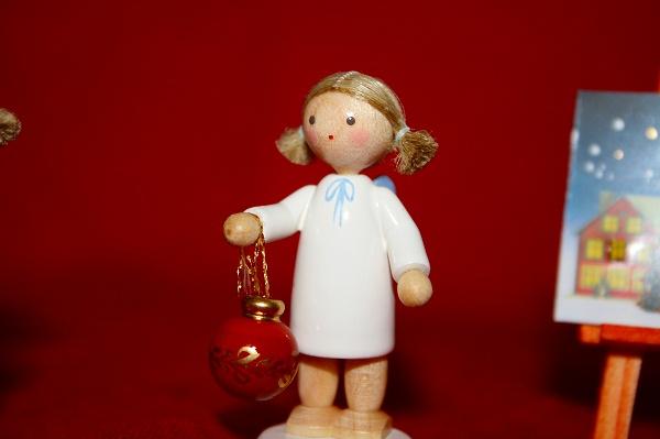 天使と飾り玉