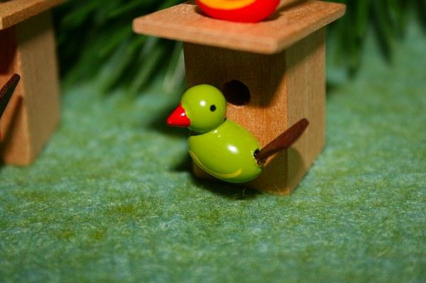 小鳥のペア巣箱付き 赤・緑