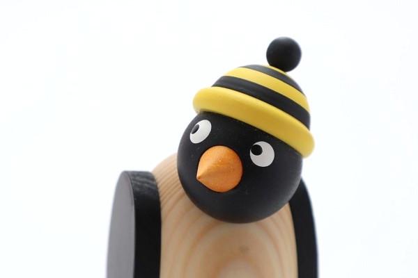 ペンギン 黄黒帽子